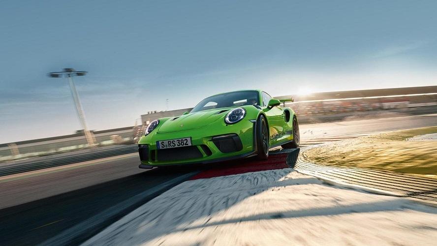 2018-Porsche-911-GT3-RS-3