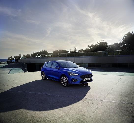 2019-Ford-Focus-ST-Line