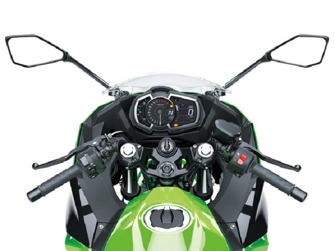 Kawasaki-Ninja-400-2