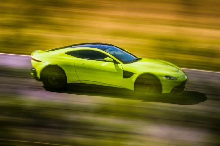 Aston-Martin-Vantage-6