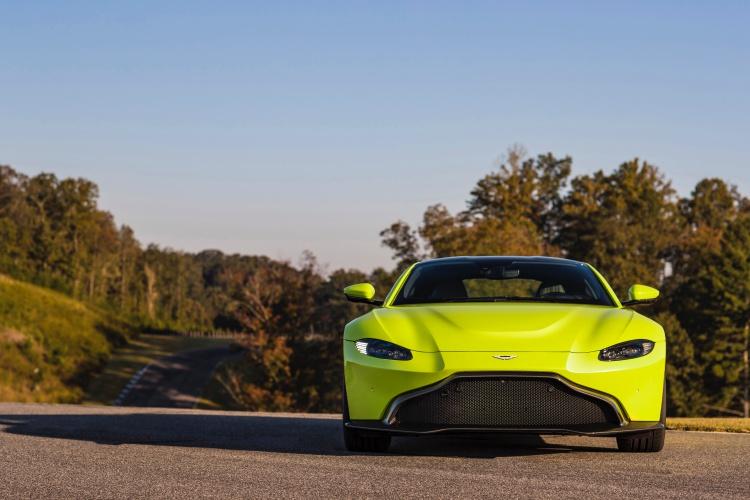 Aston-Martin-Vantage-2
