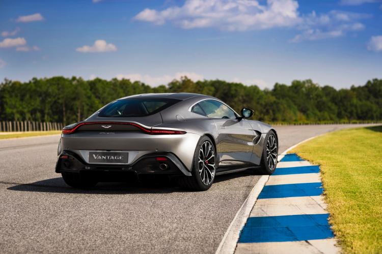 Aston-Martin-Vantage-9