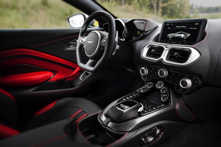 Aston-Martin-Vantage-4