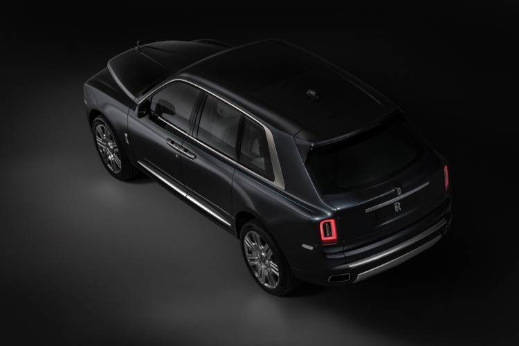 Rolls-Royce-Cullinan-4