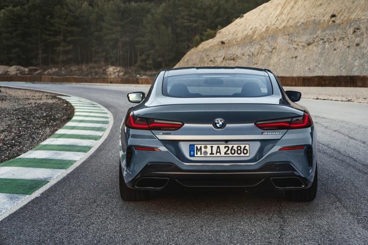 BMW-8-Series-4