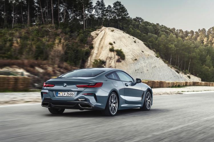 BMW-8-Series-6
