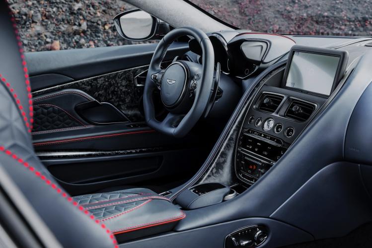 Aston-Martin-DBS-Superleggera