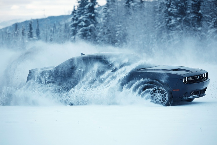 Dodge-Challenger-GT-AWD-6