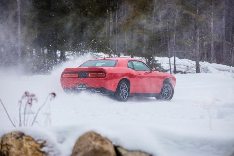 Dodge-Challenger-GT-AWD-5