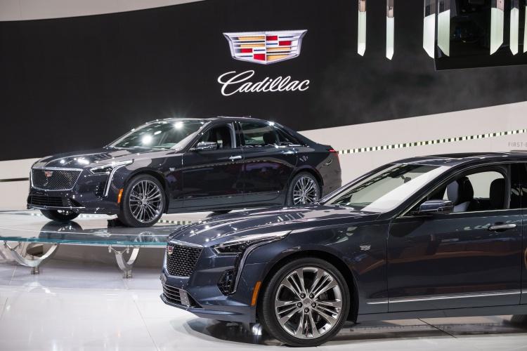 2019-Cadillac-CT6-V-5