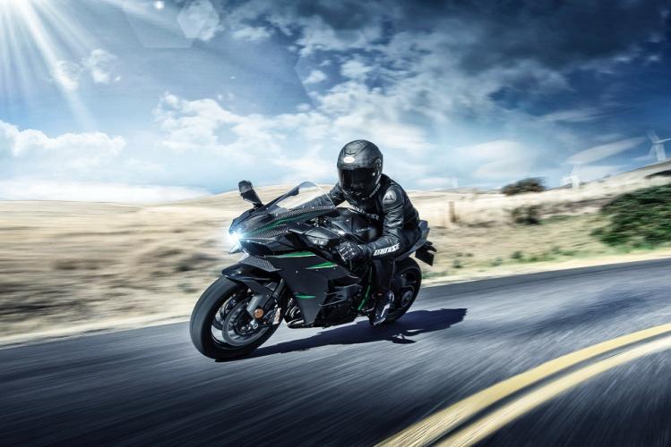 2019-Kawasaki-Ninja-H2-3