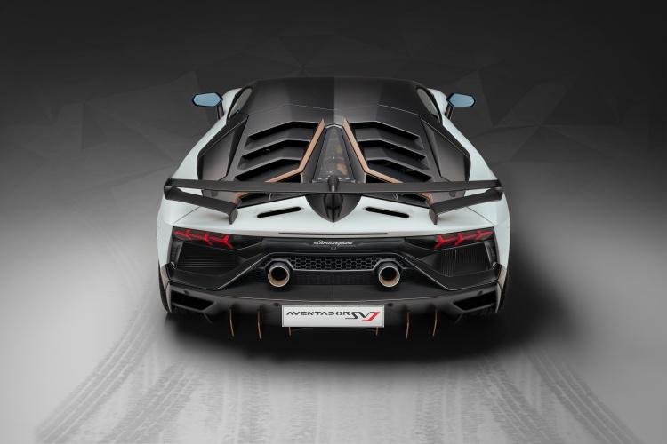 Lamborghini-Aventador-SVJ-10