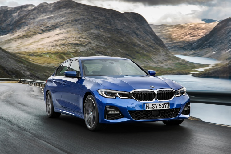 2019-BMW-3-Series-16
