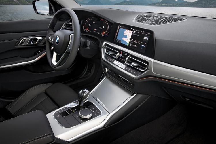 2019-BMW-3-Series-5