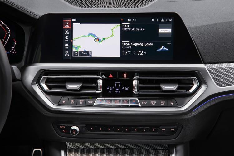 2019-BMW-3-Series-9