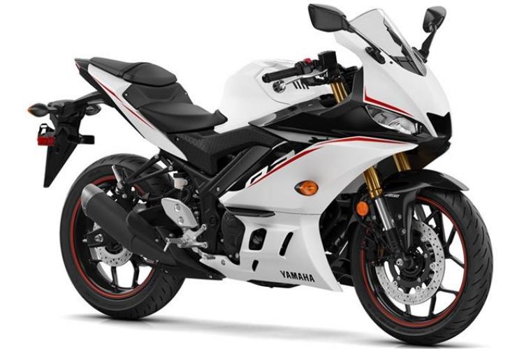 2019-Yamaha-YZF-R3-6