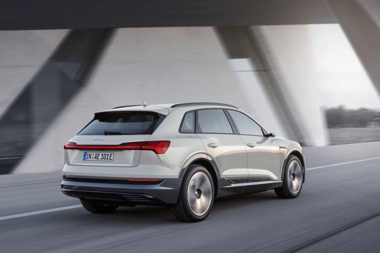 Audi-e-tron-12