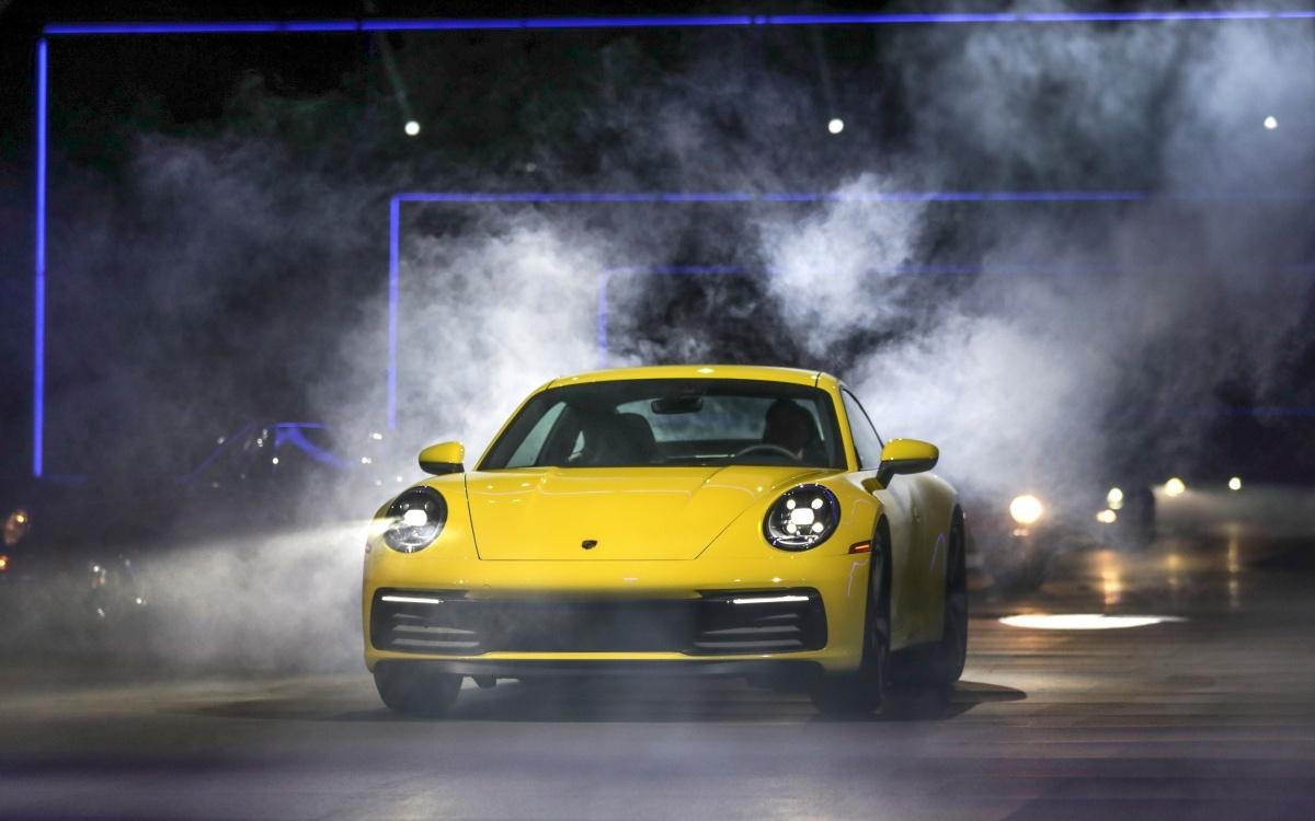 2019-Porsche-911-7