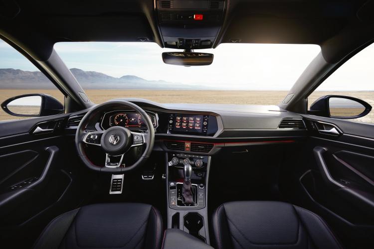 Volkswagen-Jetta-GLI-10