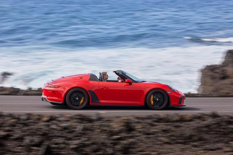 Porsche-911-Speedster-13