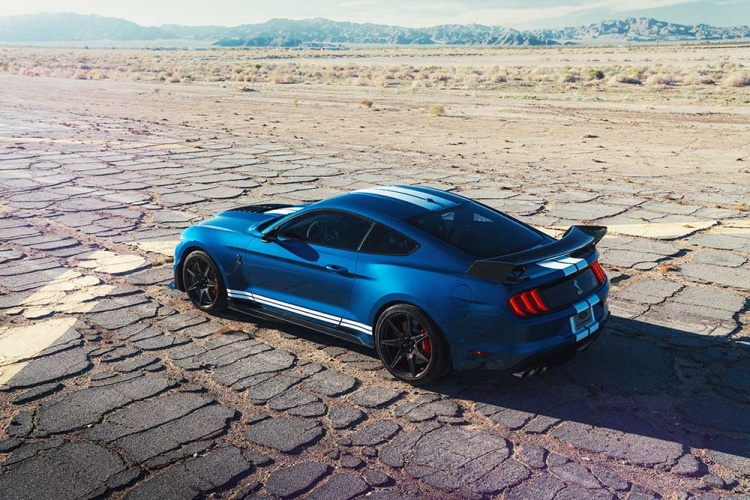 Shelby-GT500-2