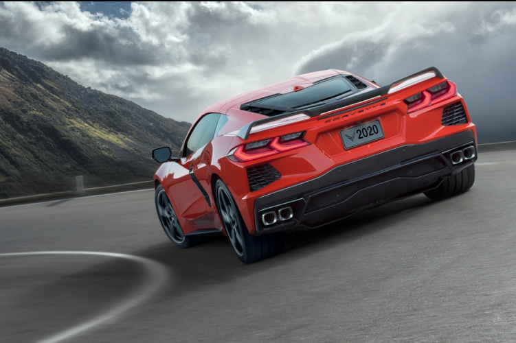 Chevrolet-Corvette-C8-Stingray-2