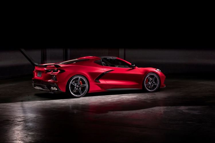 Chevrolet-Corvette-C8-Stingray-23