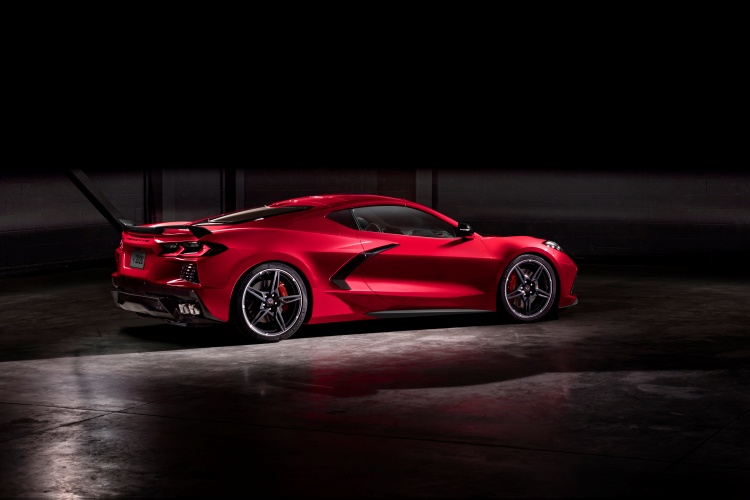 Chevrolet-Corvette-C8-Stingray-24