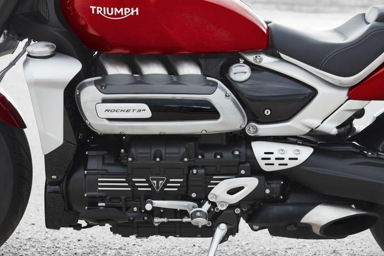 Triumph-Rocket-3-14