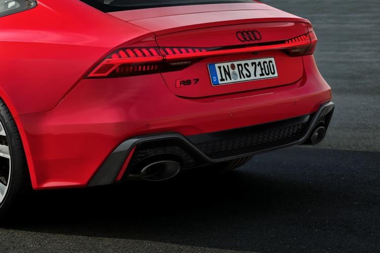 Audi-RS-7-Sportback-7