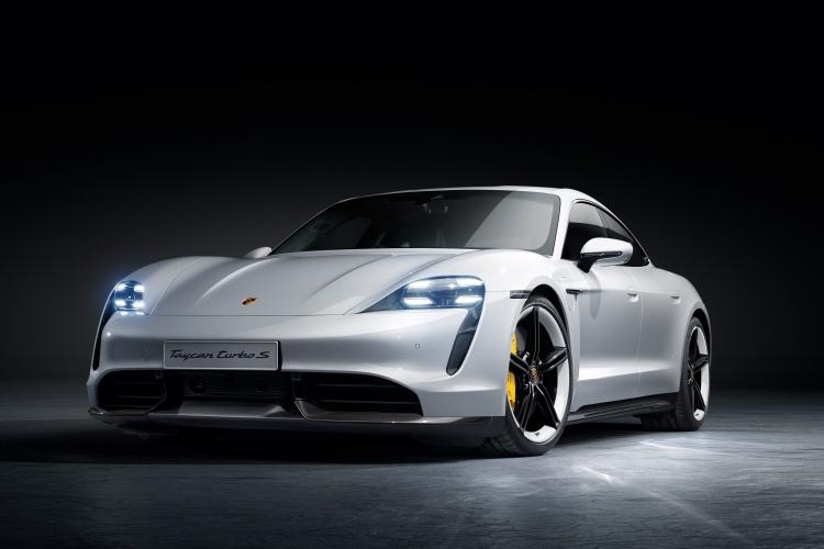 Porsche-Taycan-13