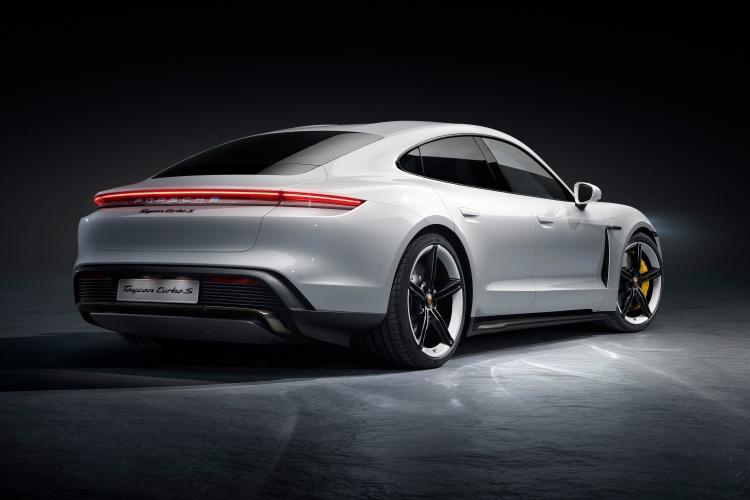 Porsche-Taycan-14
