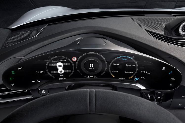 Porsche-Taycan-17