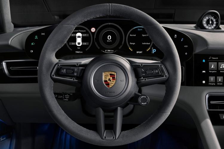 Porsche-Taycan-21