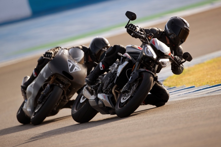 2020-Triumph-Street-Triple-RS-1