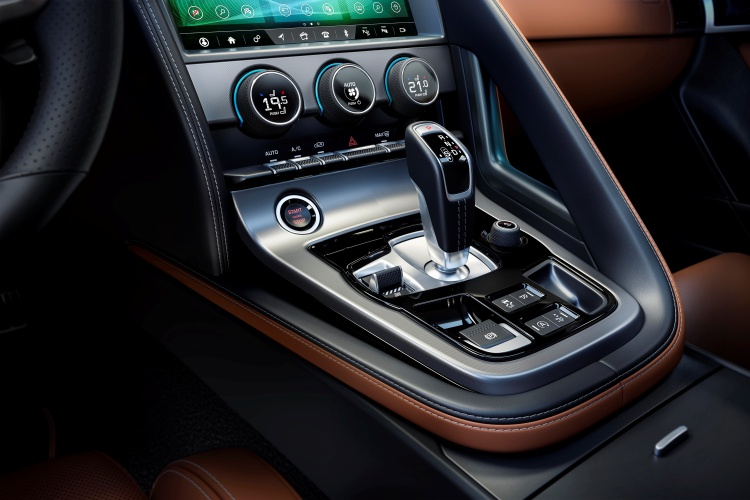 2020-Jaguar-F-Type-Interior-Centre-Console