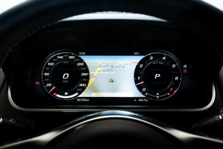 2020-Jaguar-F-Type-Interior-Instrument-Console
