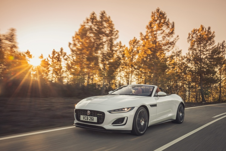 2020-Jaguar-F-Type-R-Dynamic-Exterior-Fuji-White-2