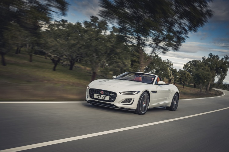 2020-Jaguar-F-Type-R-Dynamic-Exterior-Fuji-White-3