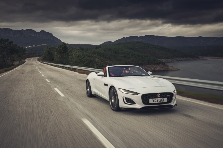 2020-Jaguar-F-Type-R-Dynamic-Exterior-Fuji-White-5