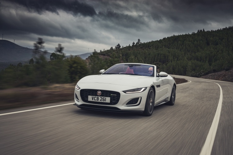 2020-Jaguar-F-Type-R-Dynamic-Exterior-Fuji-White-7