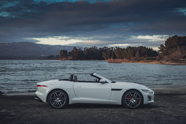 2020-Jaguar-F-Type-R-Dynamic-Exterior-Fuji-White-8