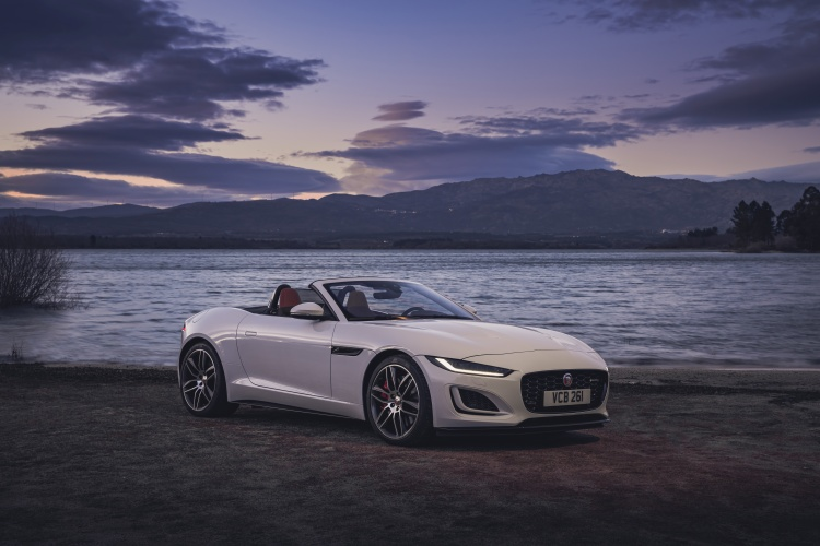 2020-Jaguar-F-Type-R-Dynamic-Exterior-Fuji-White-9