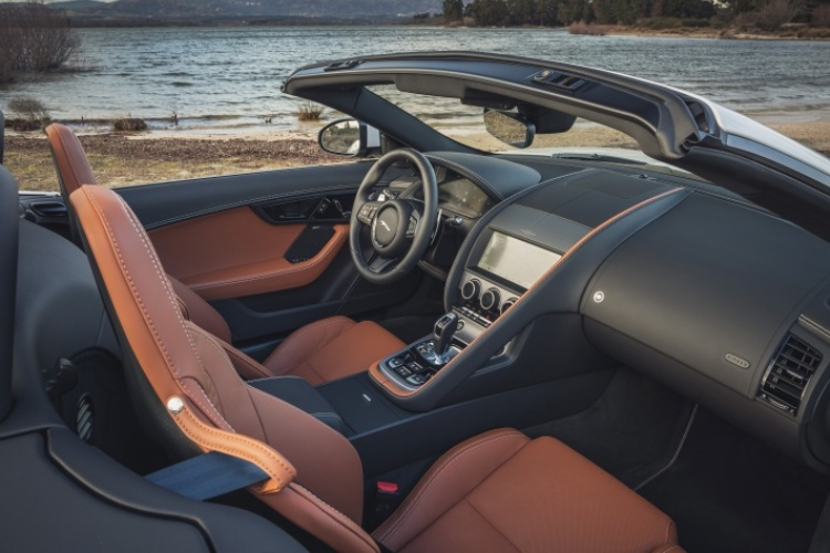 2020-Jaguar-F-Type-R-Dynamic-Interior-1