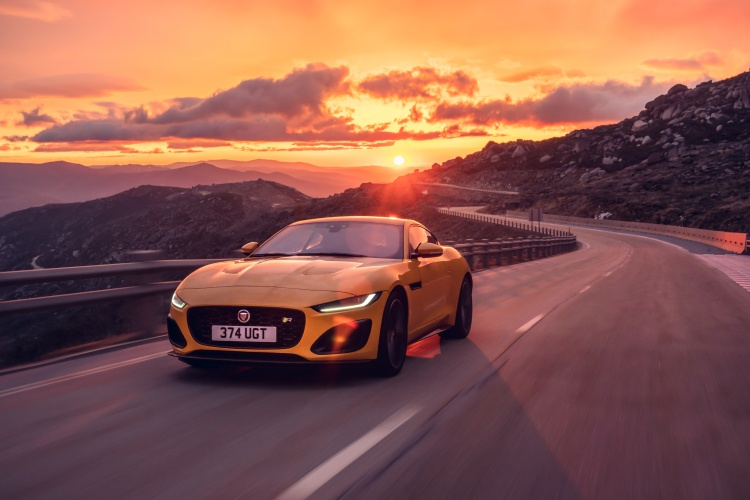 2020-Jaguar-F-Type-R-Exterior-Sorrento-Yellow-10
