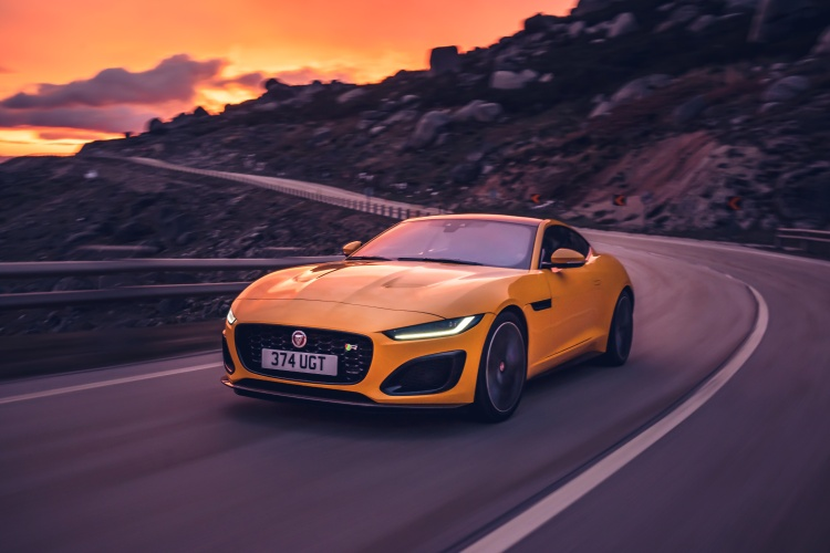 2020-Jaguar-F-Type-R-Exterior-Sorrento-Yellow-12