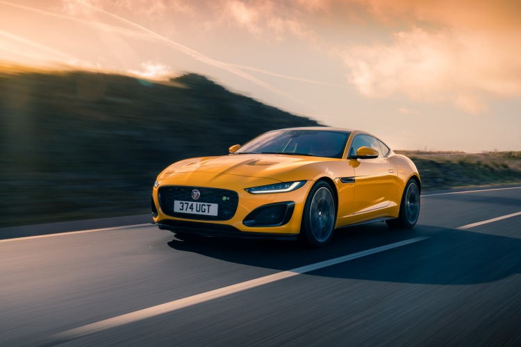 2020-Jaguar-F-Type-R-Exterior-Sorrento-Yellow-17