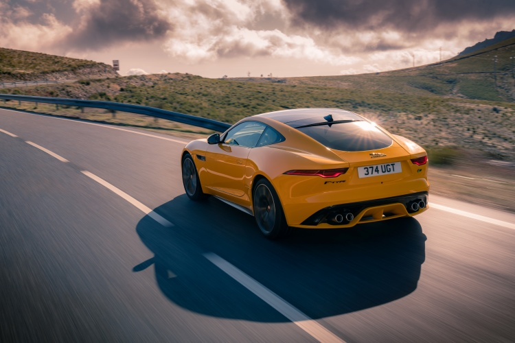 2020-Jaguar-F-Type-R-Exterior-Sorrento-Yellow-18