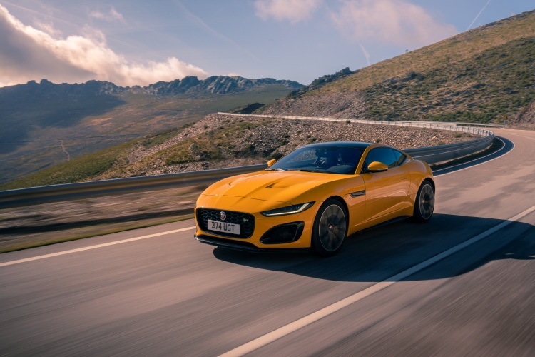 2020-Jaguar-F-Type-R-Exterior-Sorrento-Yellow-19