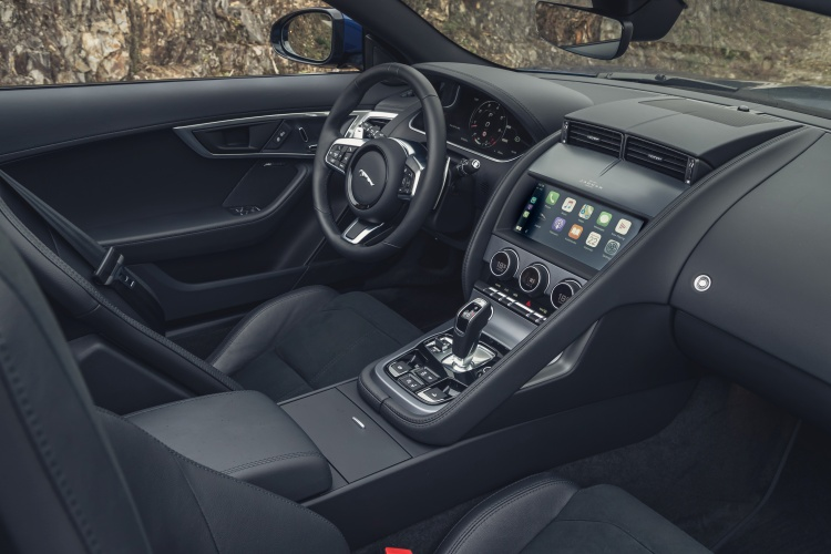 2020-Jaguar-F-Type-R-Interior-2